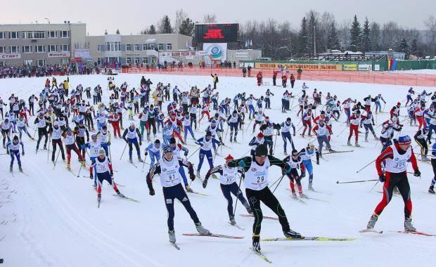 Противостояние лыж и сноуборда: в Альметьевске стартовал фестиваль зимних видов спорта «SNOW FEST»