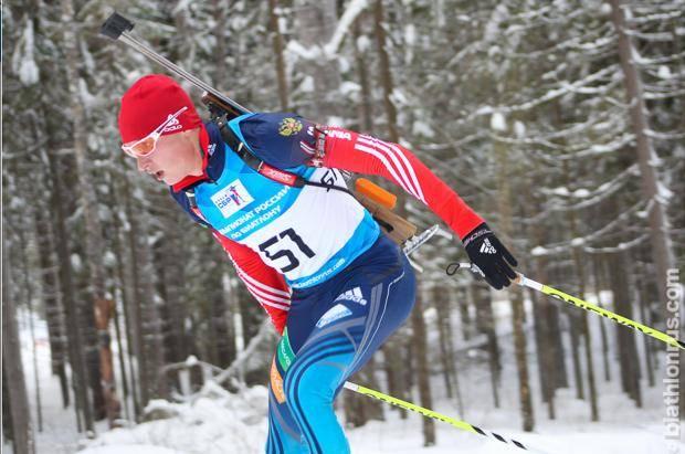 Максим Буртасов лидировал в спринте на этапе Кубка России