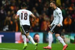«Галатасарай» уступил на своем поле «Бенфике» в матче Лиги Европы