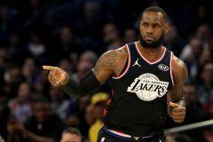 Команда Леброна победила команду Янниса в Матче всех звезд НБА