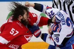 Избиение Каблукова, шоу Миронова и нокдаун Панина. Лучшие бои плей-офф КХЛ
