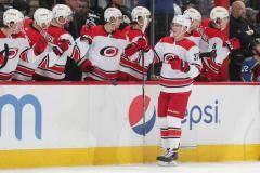 Кучеров не забил, но россияне лютовали этой ночью в НХЛ. Свечников порвал «Колорадо»