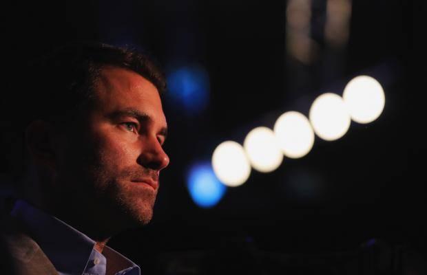 Империя Эдди Хирна: как любитель дартса захватывает весь боксерский мир