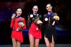 Наши самурайки. У Загитовой – золото чемпионата мира, у Медведевой – бронза