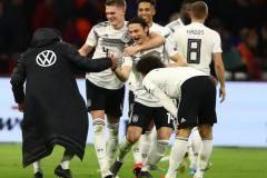 Германия вырвала победу у Нидерландов! В Амстердаме было горячо (видео)