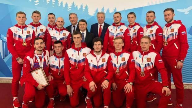 Игорь Левитин поздравил Владислава Веселова с победой на Универсиаде-2019