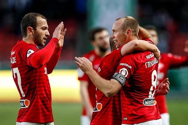 «Спартак» победил «Ахмат» в Грозном, а Глушаков после гола показал фанатам телефон
