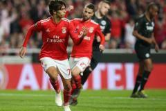 «Бенфика» обыграла на своем поле «Айнтрахт» в матче Лиги Европы