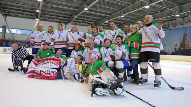 В Подгорном завершилось первенство края по хоккею среди ветеранов 40 лет и старше