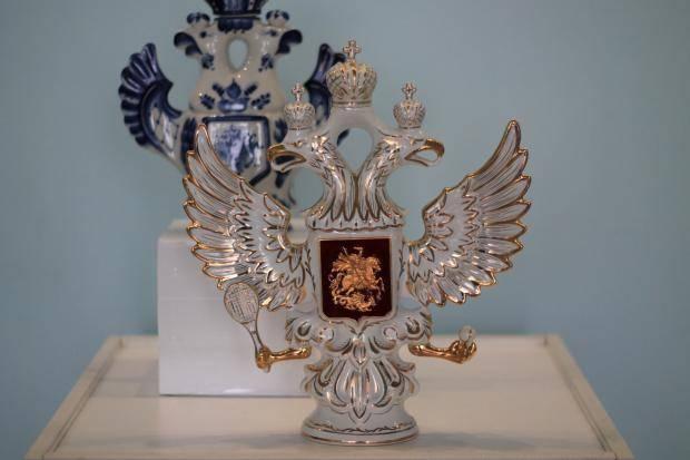 В музее физической культуры и спорта Кузбасса состоится открытие выставки «Спортивный кубок. Керамика»