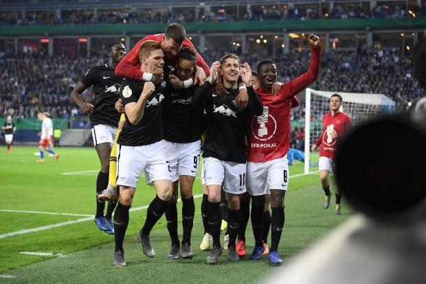 Футбол. кубок германии. 1/ 2финал гамбург- вердер