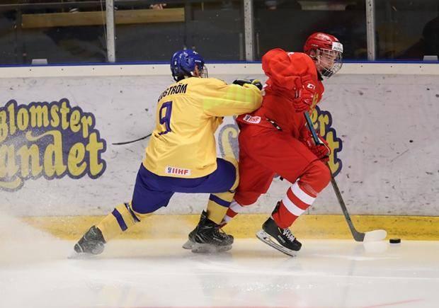 Юниорская сборная России уступила Швеции на ЧМ и сыграет в 1/4 финала с белорусами