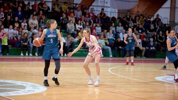 Баскетболистки «Казаночки» стали серебряными призерами Суперлиги