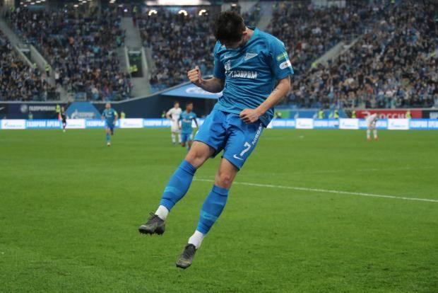 «Зенит» победил «Динамо» благодаря голам Дзюбы и Азмуна