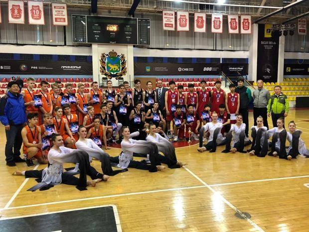 Приморские и корейские баскетболисты сразились в международном турнире