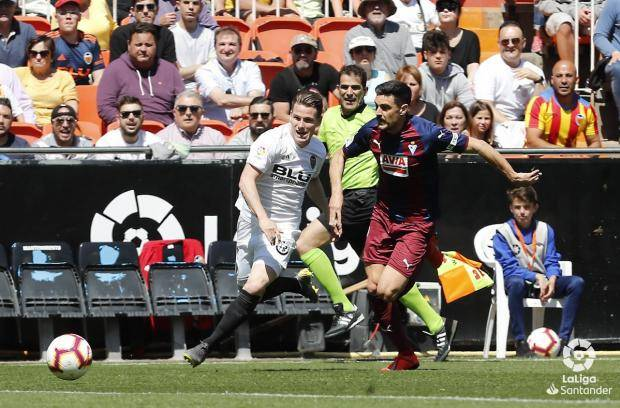 «Эйбар» в компенсированное время матча вырвал победу у «Валенсии»