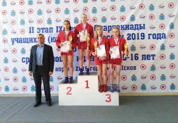 8 медалей второго этапа Спартакиады учащихся России 2019 года завоевали вологодские самбисты