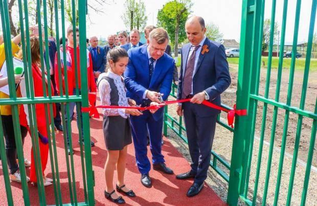В Тихорецком и Приморско-Ахтарском районах открыли новые многофункциональные спортивные площадки