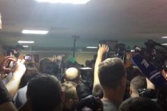 Журналисты пытаются попасть в зал суда