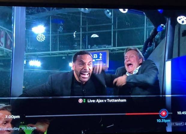 Видео ночи. Рио Фердинанд в телестудии празднует победу «Тоттенхэма»