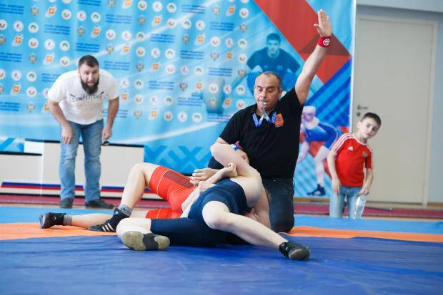 Республика Коми одержала победу на прошедшем в Сыктывкаре первенстве СЗФО по вольной