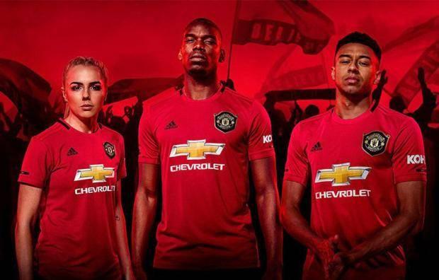 «Манчестер Юнайтед» презентовал новую домашнюю форму