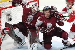 Свободных столиков нет! Как кипят хоккейные страсти в Латвии