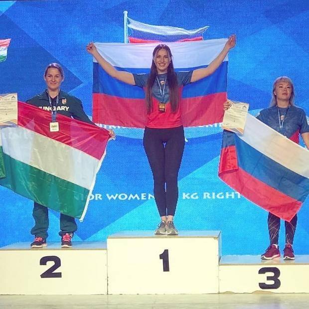 Екатерина Никишева выиграла два золота чемпионата Европы по армрестлингу