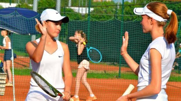 В Казани проходит первенство Татарстана по теннису среди юношей и девушек до 17 лет