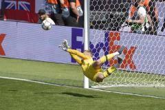 Пикфорд – первый вратарь сборной Англии, забивший в серии послематчевых пенальти