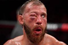 Кровавое лицо Серроне, сумасшедший хайкик Шевченко и победа Яна. Лучшие моменты UFC 238 (видео)