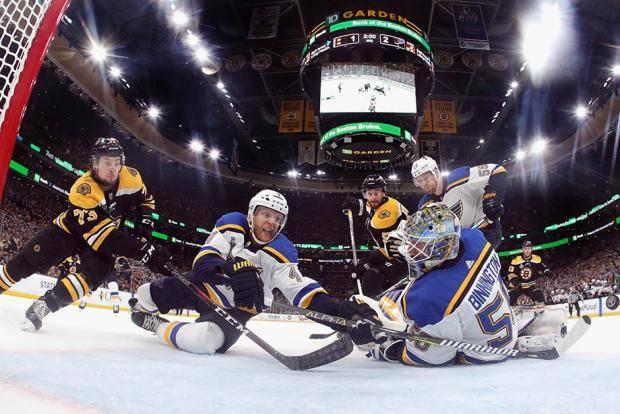 Кубок взял тот, кто играл в хоккей. Не лучше в хоккей - а просто в хоккей!
