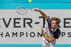 Синхронный выход. Хачанов и Медведев пробились во второй круг турниров ATP