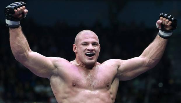 Уральский Халк покинул UFC, ни разу не подравшись. Что случилось?