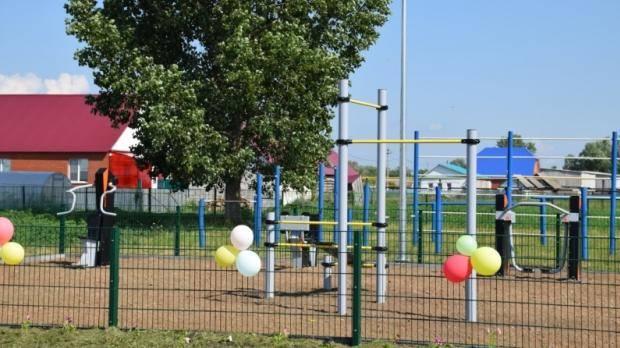 В Нурлатском районе открыли первую в этом году новую спортивную площадку