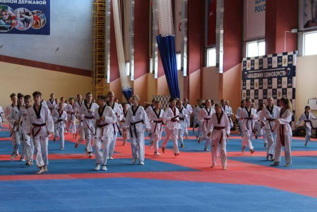 В Рязани проходит тренировочное мероприятие сборной команды России по тхэквондо