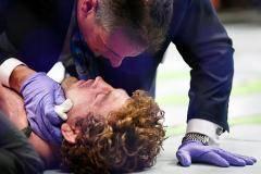 Аскрена успокоили за 5 секунд, а Джонса увезли на коляске. Главные моменты турнира UFC 239 (видео)