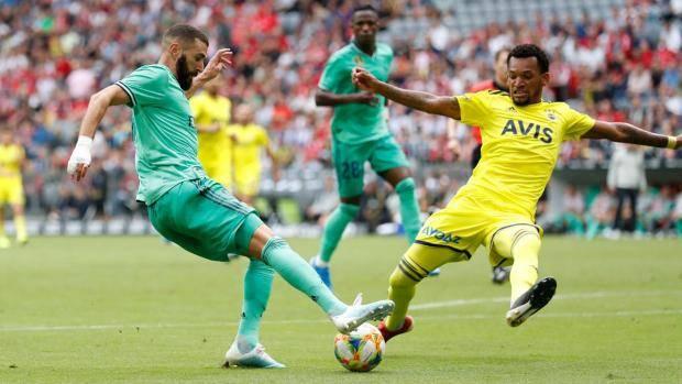 «Реал» в контрольном матче обыграл «Фенербахче» благодаря хет-трику Бензема