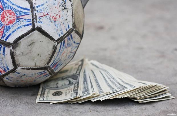 Научились ли зарабатывать в российском футболе?