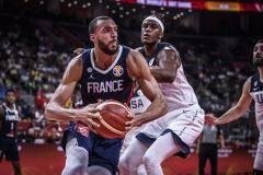 Сборная Франции победила американцев и вышла в полуфинал чемпионата мира