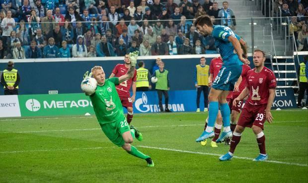 «Зенит» включил «Лудогорца». Чемпион забил пять «Рубину» за тайм