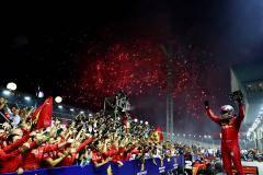 Красная ночь в Сингапуре. «Феррари» сделала победный дубль