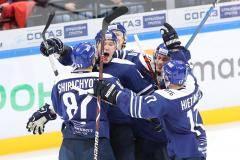 «В первом периоде обос…лись, но Саня подтащил!» Динамовцы начали серию игр с победы