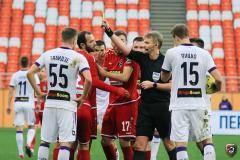 Лапочкин не назначил пенальти в ворота «Тамбова» и ошибочно удалил Чуперку