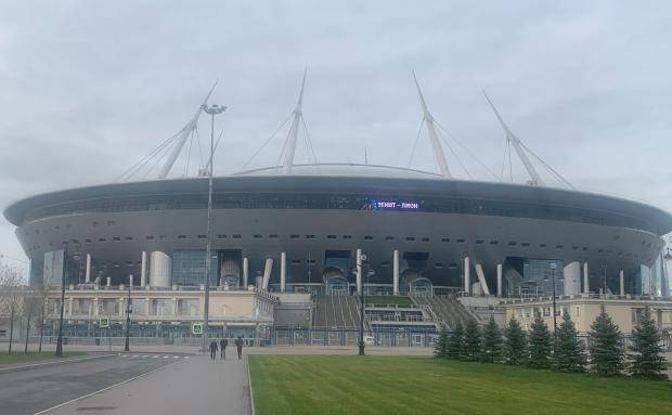 Дождь, духота и ожидание матча. Крестовский перед встречей Россия – Бельгия (фото)