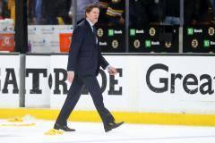 В Торонто схарчили самого титулованного тренера в истории мирового хоккея