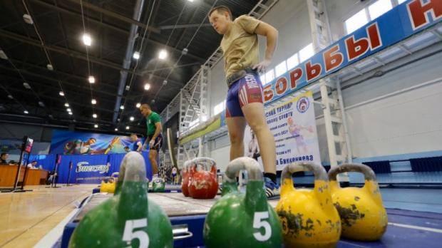 Определены победители соревнований по гиревому спорту памяти Биккениева