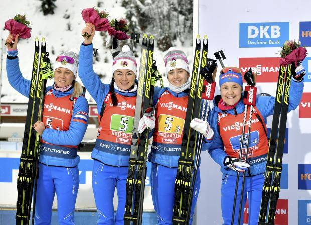 А золото было так близко… Женская сборная России лидировала всю эстафету, но упустила победу