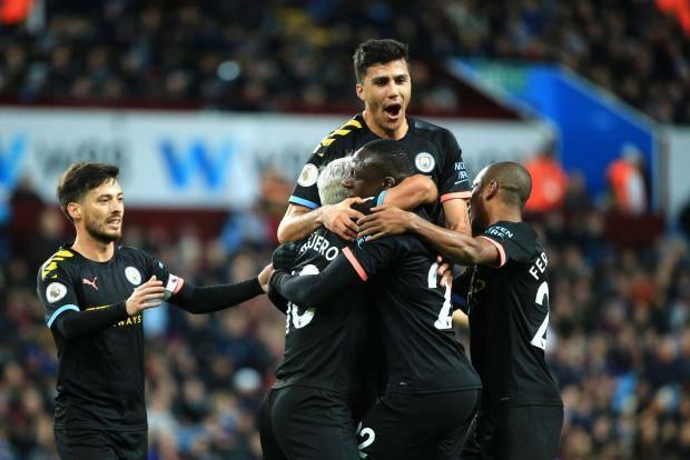 «Манчестер Сити» разгромил «Астон Виллу» благодаря хет-трику Агуэро и дублю Мареза