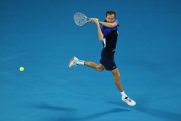 Медведев победил Тиафу и вышел во второй круг Australian Open